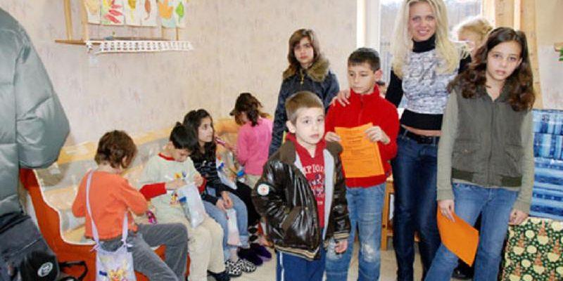 """23.12.2009 Фондация Ейнджълс прави дарение на Детски център """"Ронкали"""", Бургас"""