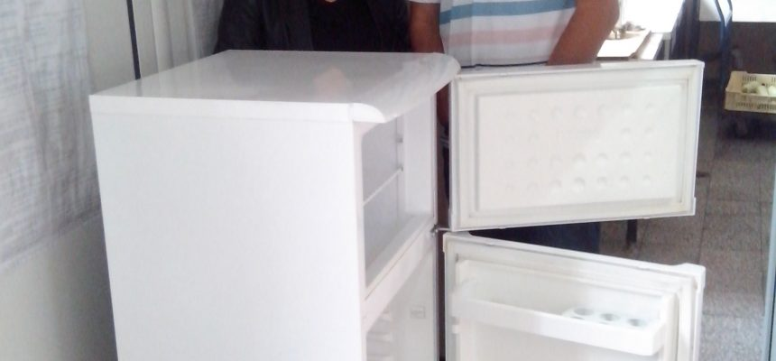 """Фондация Ейнджълс дари хладилник на училище за деца с нарушено зрение """"Луи Брайл"""""""