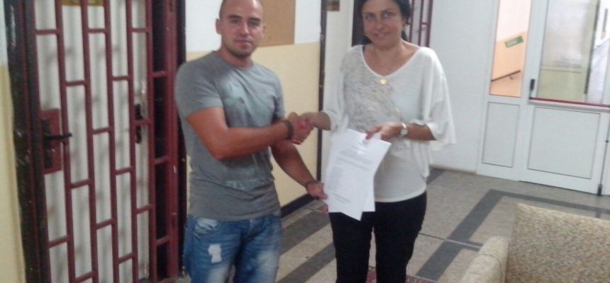 Дарение по проект Топли дрехи – училище Дечо денев София
